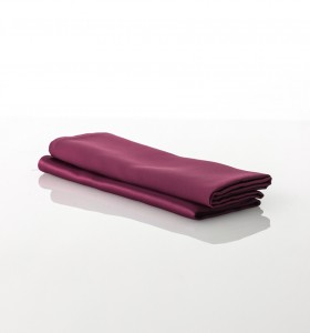 Serviette Satin Bordeaux